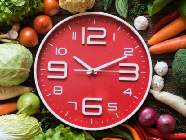 Se trata de hacer varias horas de ayuno y comer sólo durante unas pocas horas al día